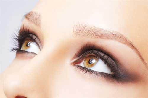 Augenbrauen aufhellen
